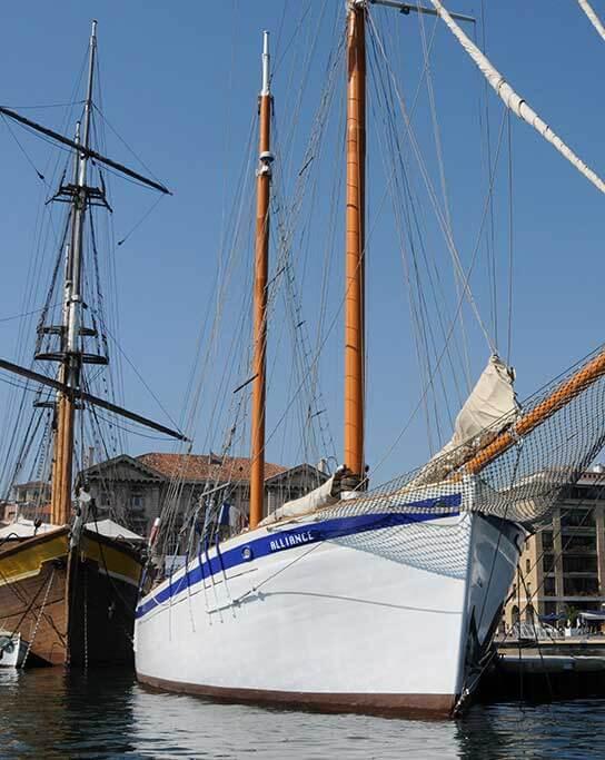 Le voilier Alliance à quai au Vieux Port